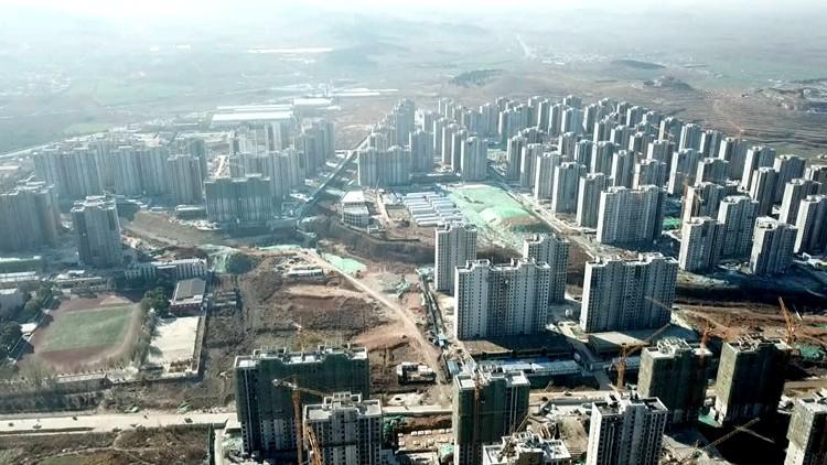 济南长清黄河滩区149栋居民楼封顶