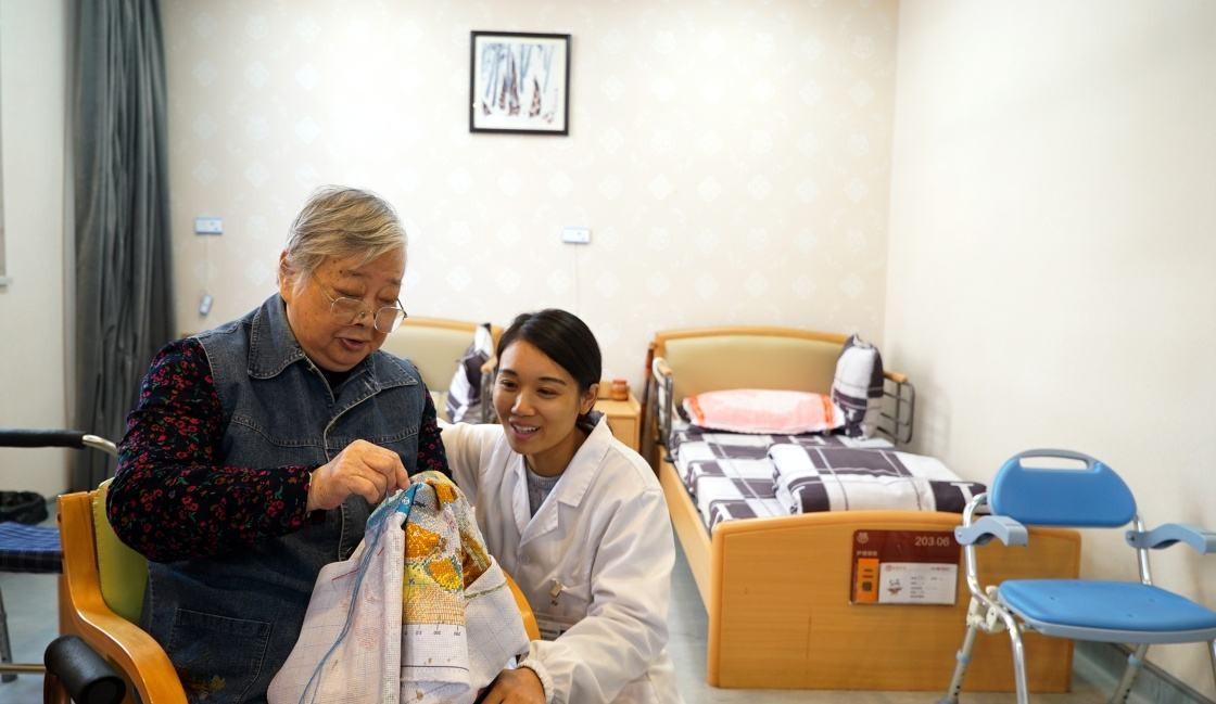 这个行业人才缺口大!山东省将在三年内培养20万名养老护理员