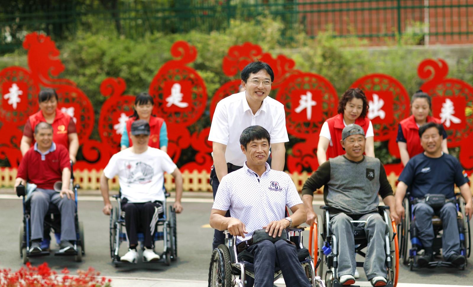 榜样的力量|刘长城27年的公益之路:愿每一位残友都得到帮助