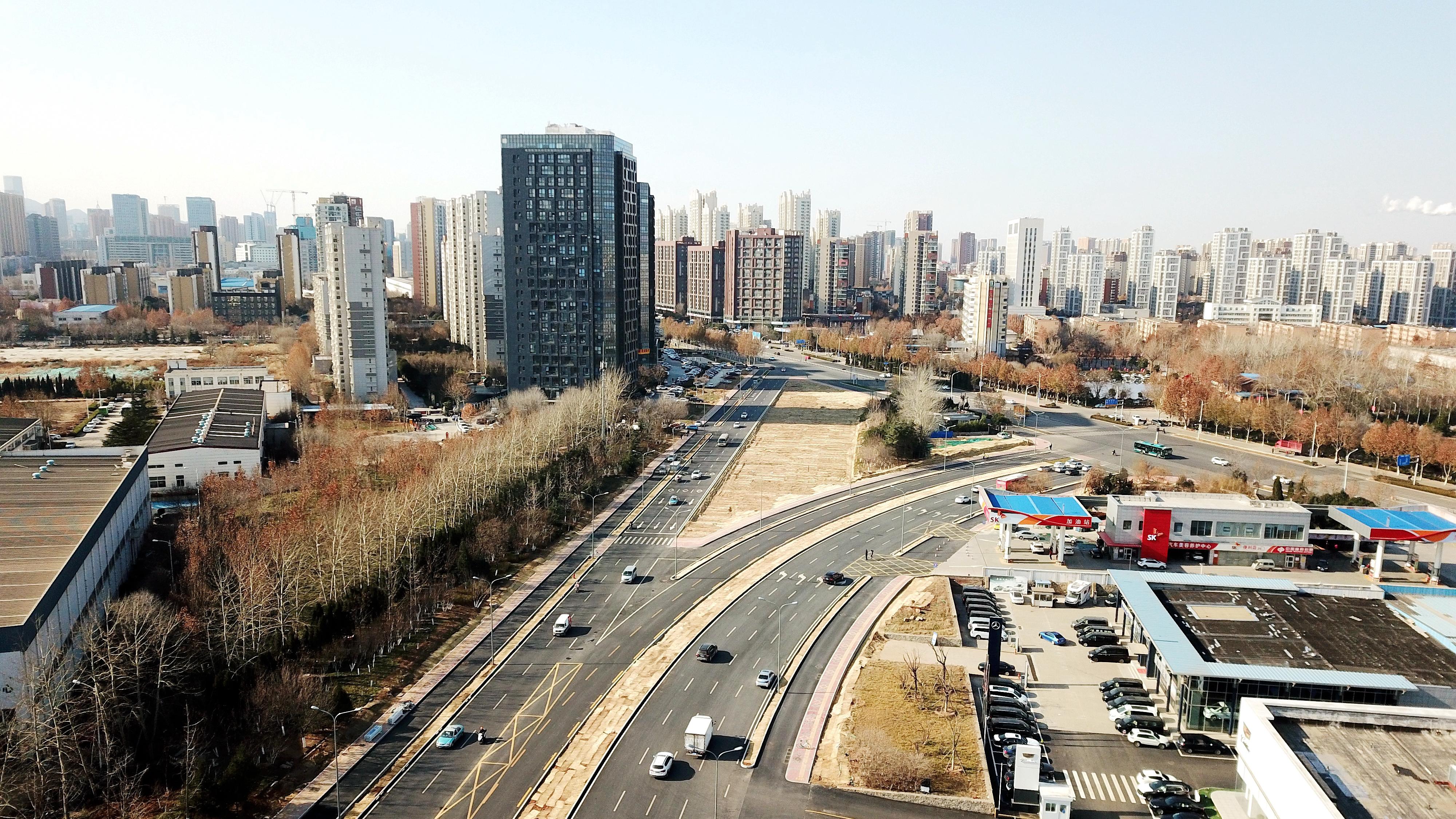 飞吧山东|双向八车道!济南东城世纪大道改造整修完成通车