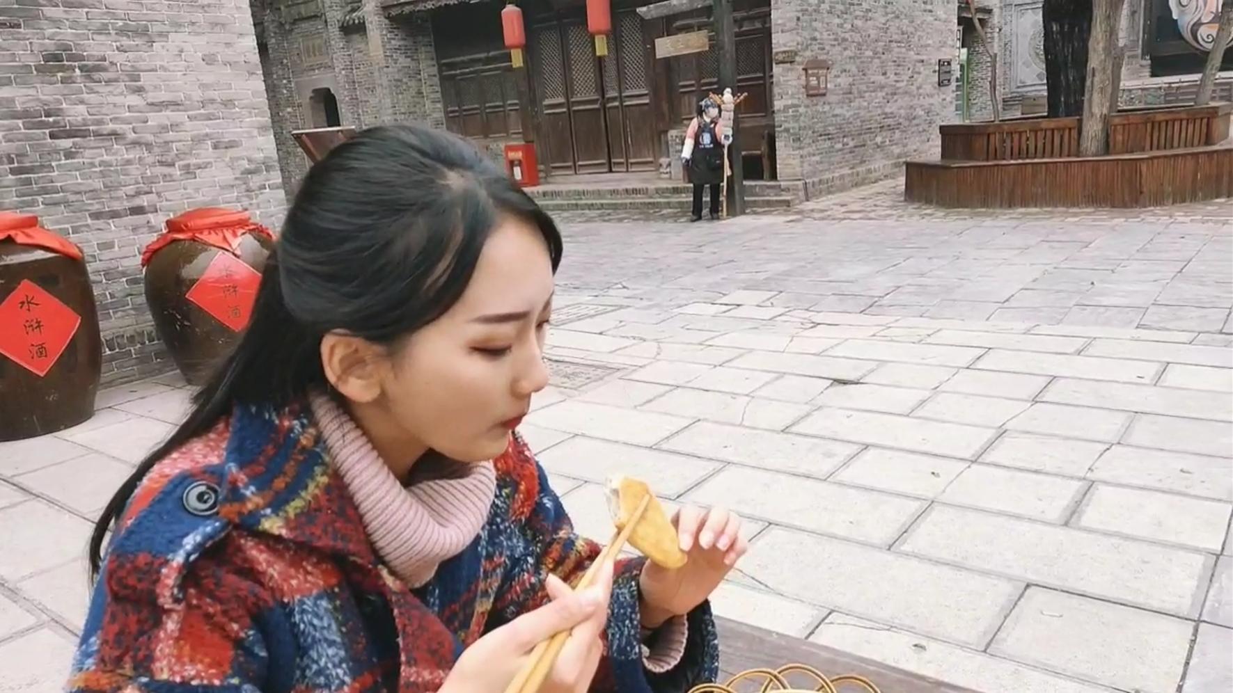 任嗨玩 | 仁肉包子、壮馍、好汉饼……来菏泽水浒好汉城 体验水浒美食感受水浒文化