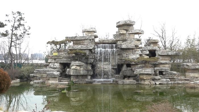 济宁市儿童公园和凤凰台植物公园正式开园