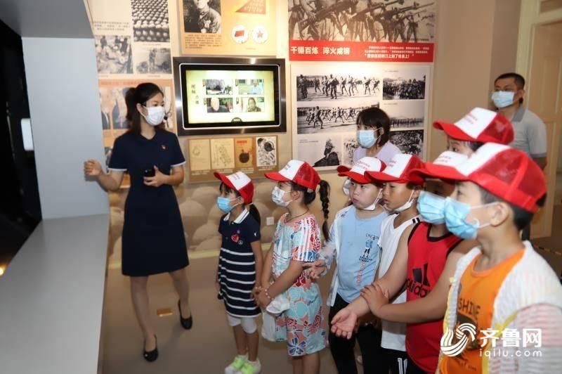 """""""五彩党建""""——胶东革命纪念馆为社区志愿者开启红色文化之旅"""