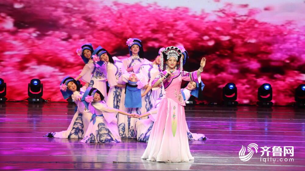 贵州特色歌舞、非遗文创展......请收下这份来自多彩贵州的生态人文之礼