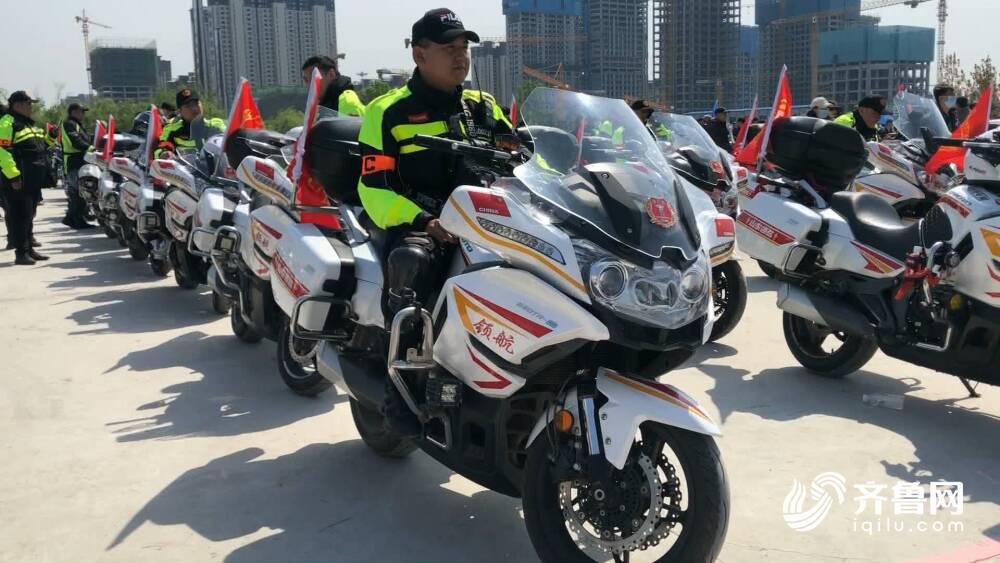 """试驾名""""摩"""" 特技表演,解锁潮流五一新体验!2021年济南国际摩托车博览会今天开幕"""