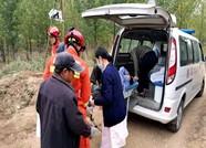 潍坊寒亭一女子跌入7米深姜井 消防队员下井救人