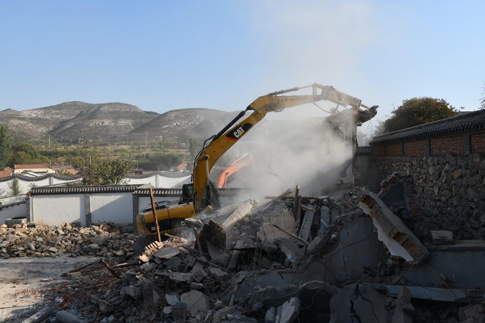 占用耕地、破坏山体!济南南部山区又有7栋2.1万平违建别墅被拆