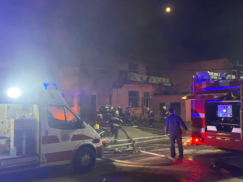 痛!济南邵西村一居民家中失火,已致3人死亡!2人正抢救
