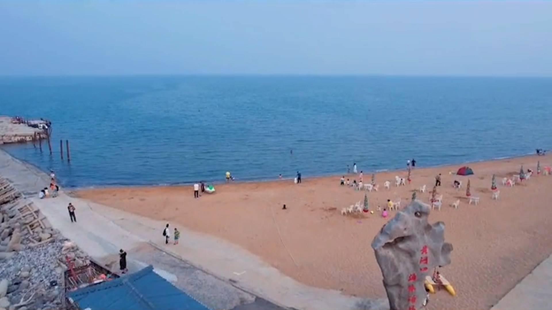 没有比去海边更清凉的事啦~这个夏天,东营黄河口海水浴场等你来冲浪放飞