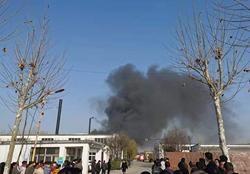 突发!聊城开发区一塑胶制品公司车间设备起火,未造成人员伤亡