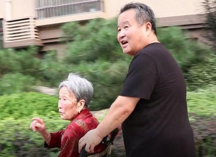 22年!安丘夏志武用6000多张照片定格记录母亲的生活点滴