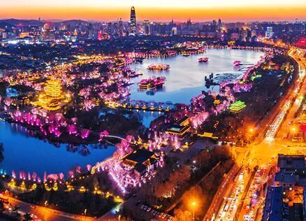 济南城市商业能级大幅提升 年底前建成52个15分钟便民消费效劳中心