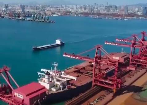 【冲刺四季度·企业最前线】山东港口日照港年货物吞吐量突破4亿吨