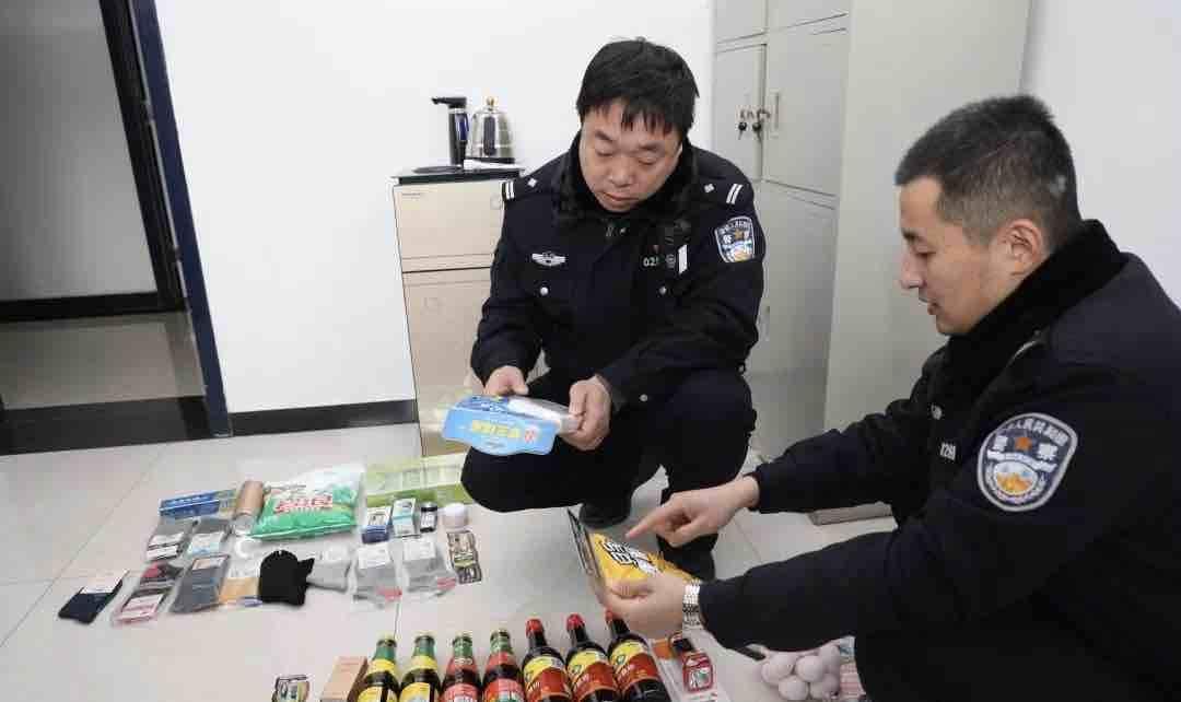 男子盗窃超市成瘾 淄川警方破案追回五十多件商品