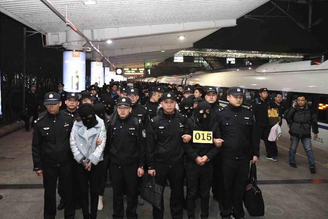 潍坊寿光警方破获跨省网络诈骗案 抓获犯罪嫌疑人100多名