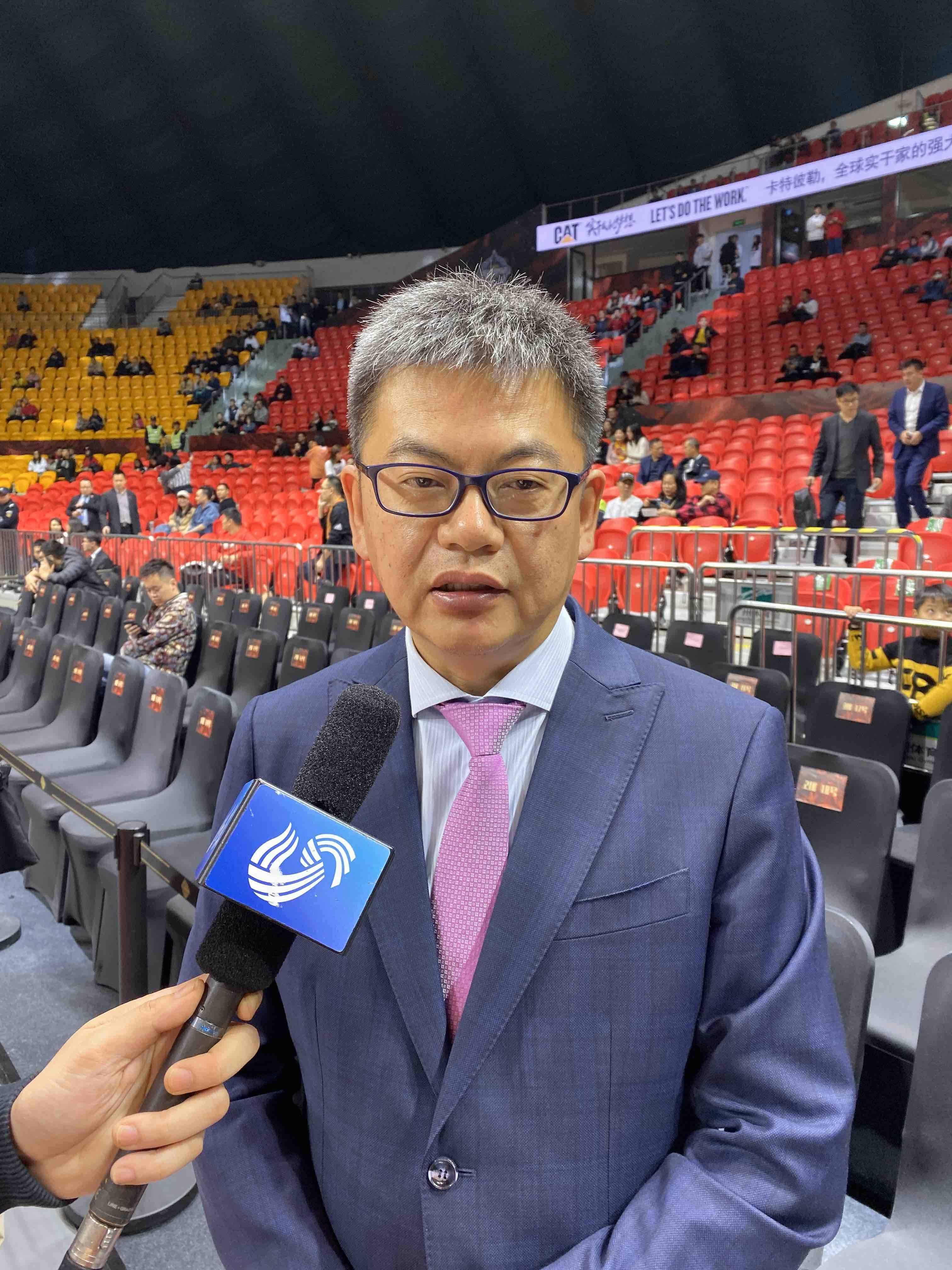 苏群:哈德森没老,山东男篮赛季表现令人惊讶
