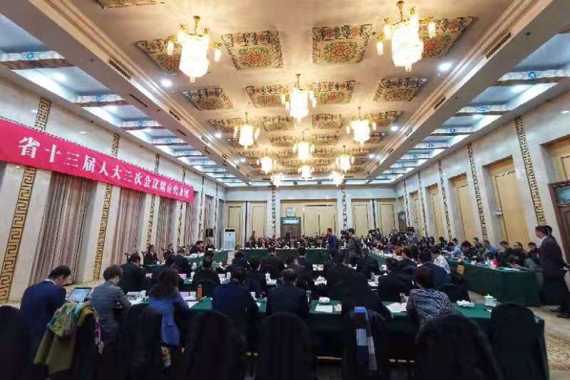 闪电新闻记者提问烟台市长陈飞:烟台城市基础设施建设有什么打算?