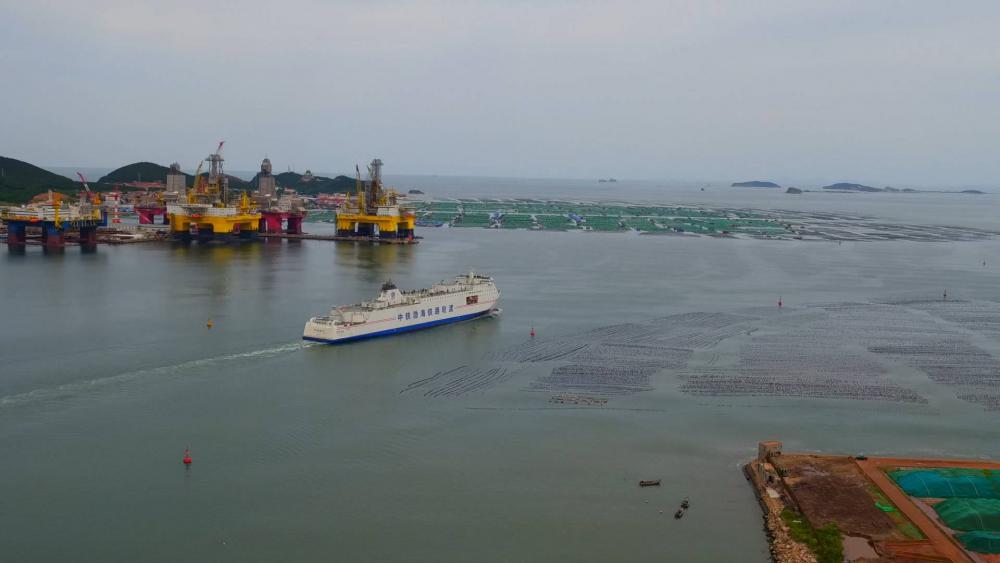 【网络中国节•春节】渤海巨轮载一程 两天一夜见证海上回家路