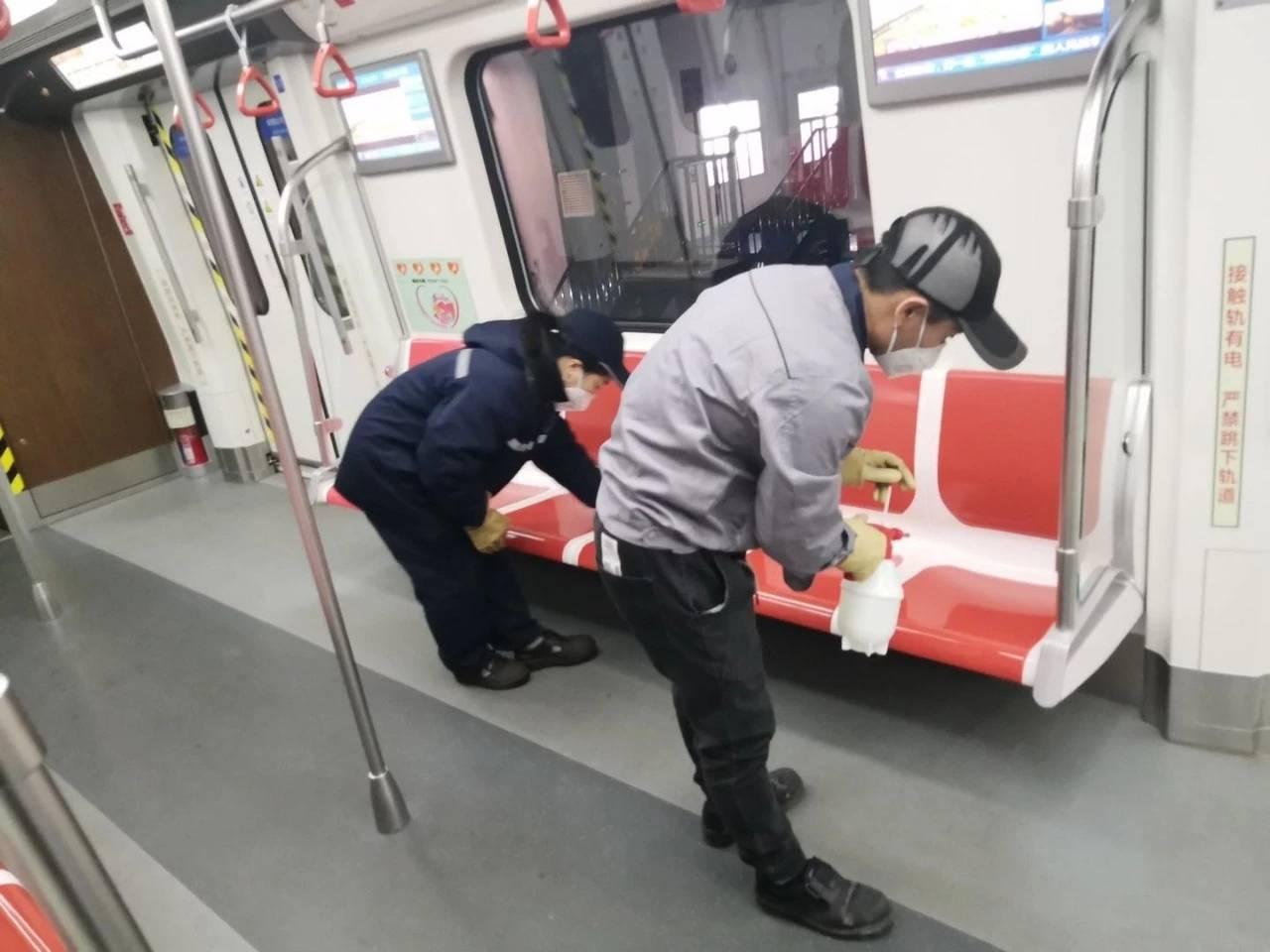 上地铁先测体温!青岛地铁全线网启动体温检测
