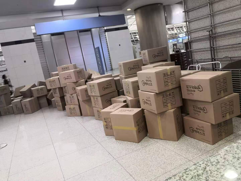山航海外急运10万口罩回国航班延误旅客却点赞