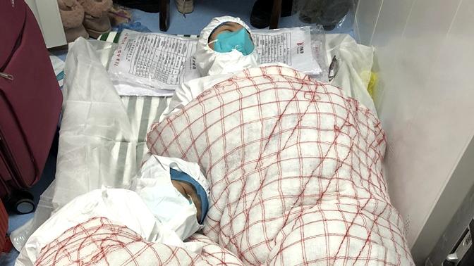 组图|直击山东援鄂医疗队抗击疫情首夜 连续工作20余小时