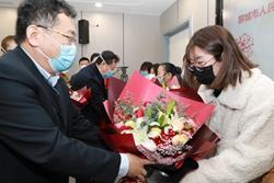 聊城市人民医院向7名支援湖北医疗队队员家属发放慰问金