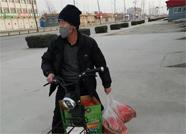 """潍坊昌邑党员干部化身""""外卖小哥"""" 为群众送去暖心服务"""