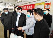 杨洪涛到平原县重点防疫物资生产企业现场办公:及时解决实际问题 全力支持企业生产