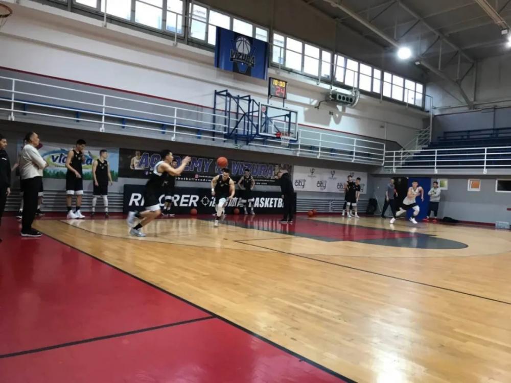 77秒丨突破、脚步、快攻...青岛男篮塞尔维亚集训集锦来了