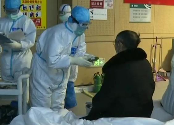 央视《新闻联播》|武汉11家方舱医院休舱 山东医疗队队员:疫情不散 我们不退