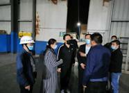 """滨州生态环境局博兴分局以""""四不两直""""方式突击夜查板材企业"""