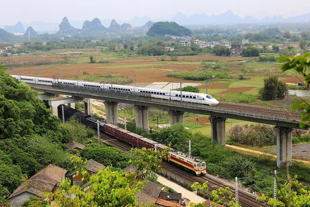 最高5.5折!3月25日起铁路部门将对青荣城铁等25条城际铁路票价打折优惠