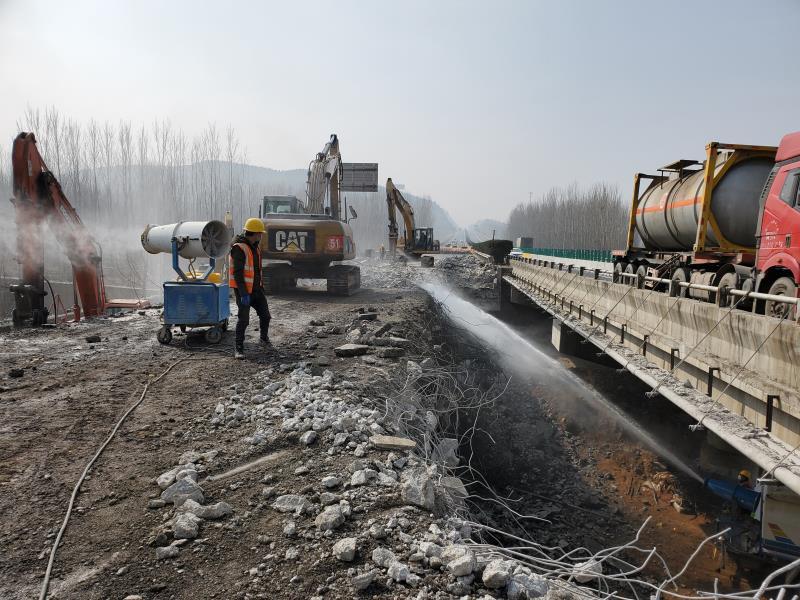 京沪莱新改扩建工程新进展 小驻马高架桥、白杨河大桥提前两月开拆