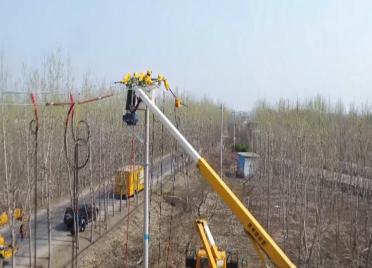 """55秒丨不断电、保复工!潍坊市首例""""旁路四类带电作业""""在昌乐完成"""
