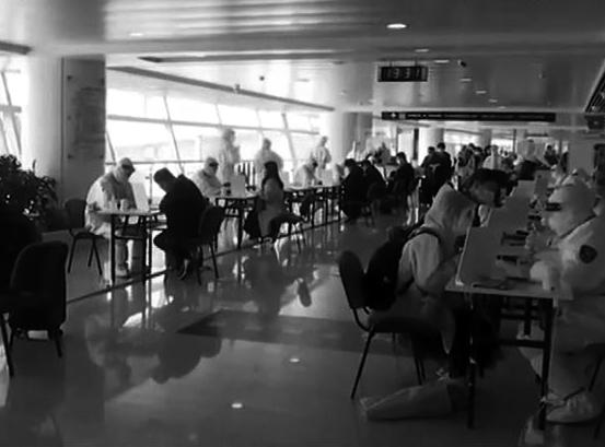 央视《新闻联播》:青岛海关启用17个全封闭医学排查方舱 守护国门安全