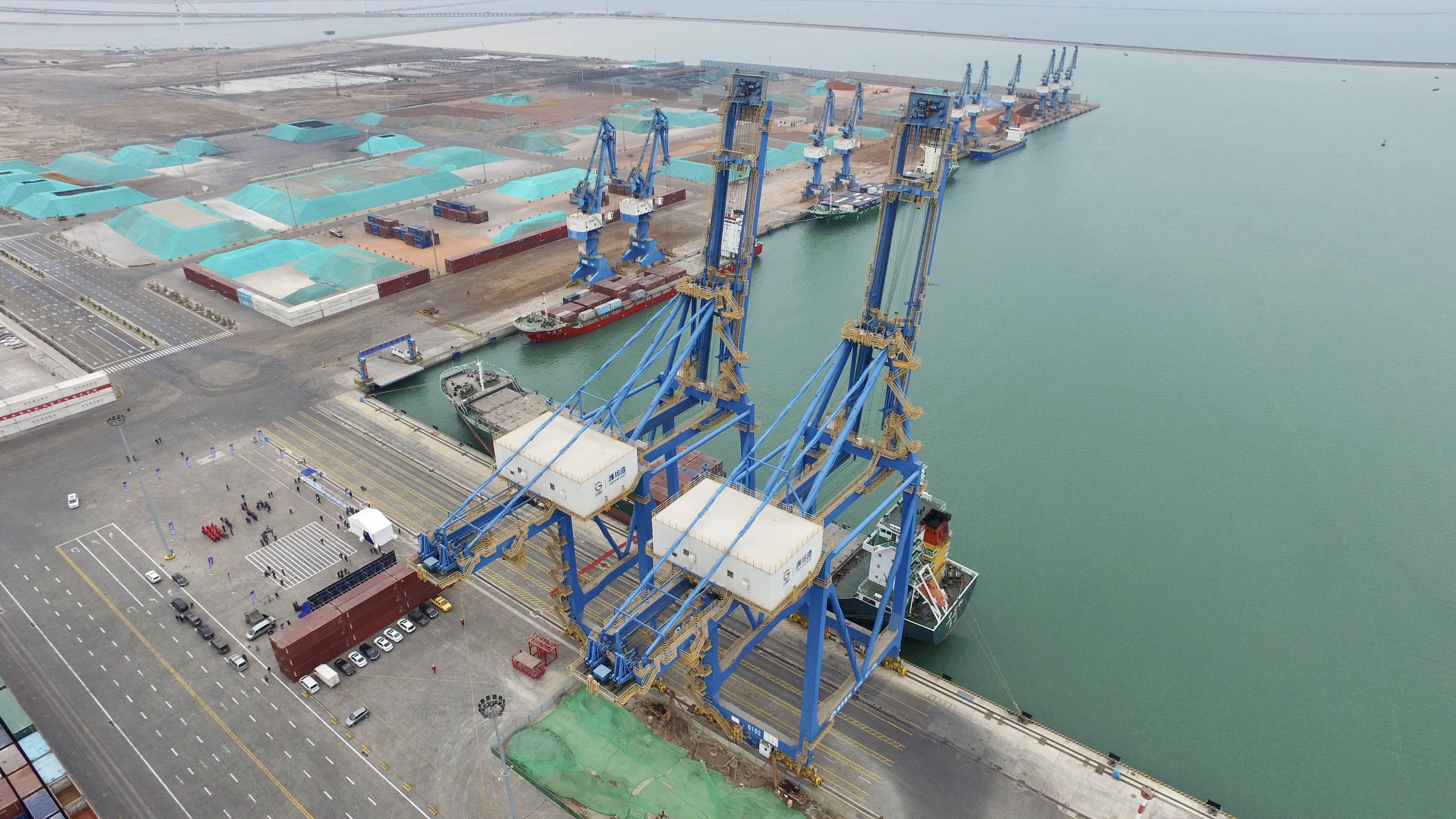 潍坊山港战略牵手 一天开通4条航线