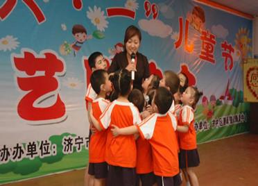泪目!这份工作让别人以生命相托,她让千名听障儿童听见世界