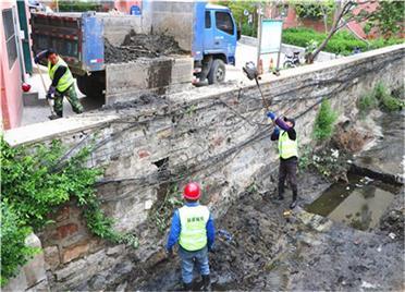 清淤、通堵……威海环翠区清挖暗沟入海口 提升城市排水能力