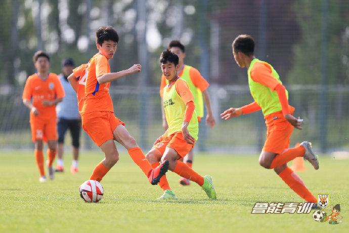 《侃球时间》丨中超10%球员出自鲁能青训 韩鹏:鲁能为中国足球做出巨大贡献