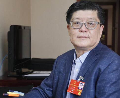 全国人大代表王刚:一条高速铁路线可以加速一个区域的升级