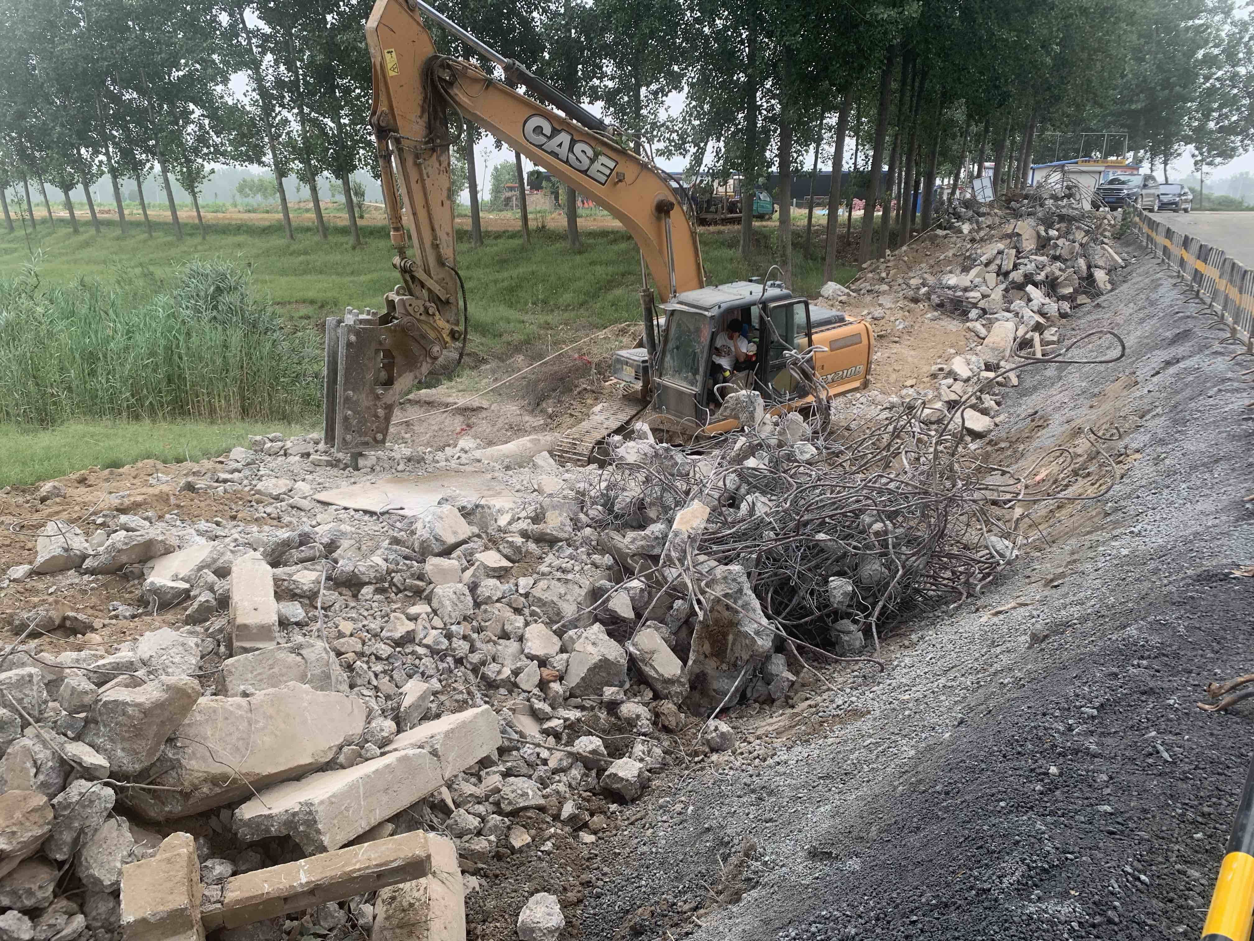 问政追踪丨菏泽两县交界处危桥拆除完毕 临时水泥便道已通车