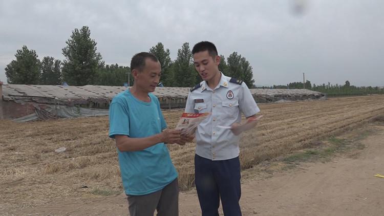 35秒|潍坊临朐麦收防火宣传走进田间地头 确保小麦颗粒归仓