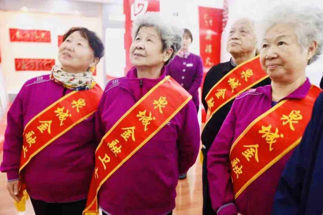 这位79岁的泉城志愿者奶奶火了!