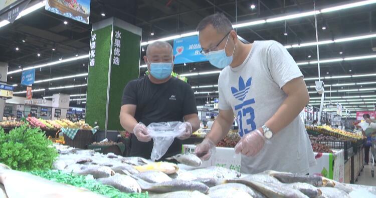 """54秒丨""""守护群众舌尖上的安全"""" 潍坊安丘开展夏季食品安全专项整治行动"""