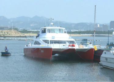 7月起 威海全新双体客船开通环鸡鸣岛环岛游航线