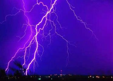 海丽气象吧|济南发布雷电黄色预警,多地已开下,出门多注意