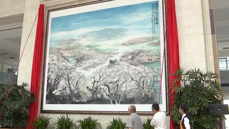 49秒丨滨州阳信:巨幅国画《盛世梨乡游春图》揭幕