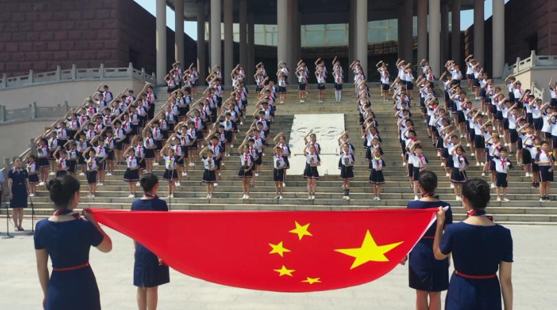 43秒|重温历史,缅怀先烈!枣庄台儿庄举行仪式纪念全民族抗战爆发83周年