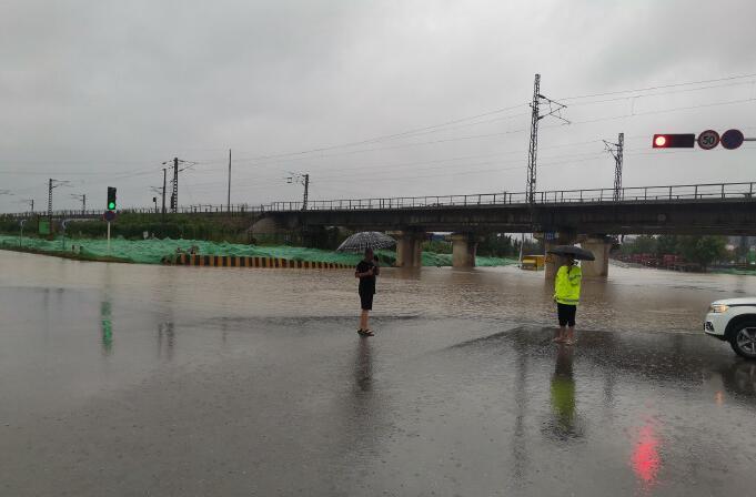 提醒!临沂市区俄黄路与大山路交会处积水较深,请绕行!