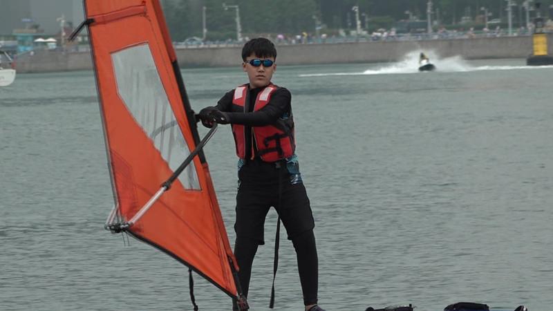 124秒|岛城少年再扬帆!青岛帆船运动进校园启动 2000多名学生将接受训练